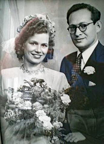 Hochzeitsfoto-Meinhold-Müller-und-Rebecka-geb. Liwerant, 1945