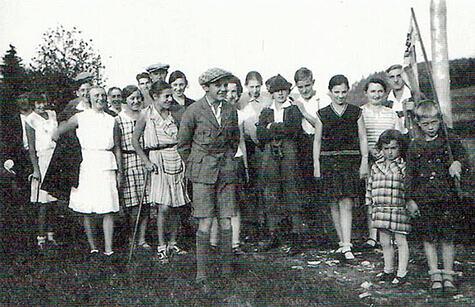 a397 b Ausflug-Charlotte-Neustädter-mit-Schwimmverein-SV-Poseidon-Neumarkt,-1932_33