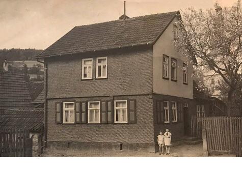 Goldner-home-in-Zeitlofs-1937